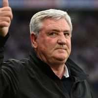 Newcastle owners' treatment of Steve Bruce 'totally wrong', says Gary Neville