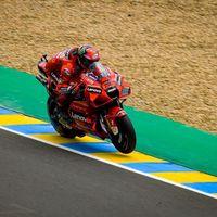LIVE MotoGP, GP Francia in DIRETTA: orario TV8 gara. Bene Bagnaia e Valentino Rossi nel warmup