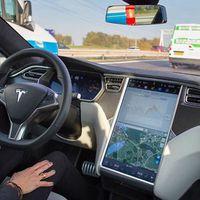 Elon Musk gabase que a Tesla 'descobriu' a condução autónoma de nível 5... será?