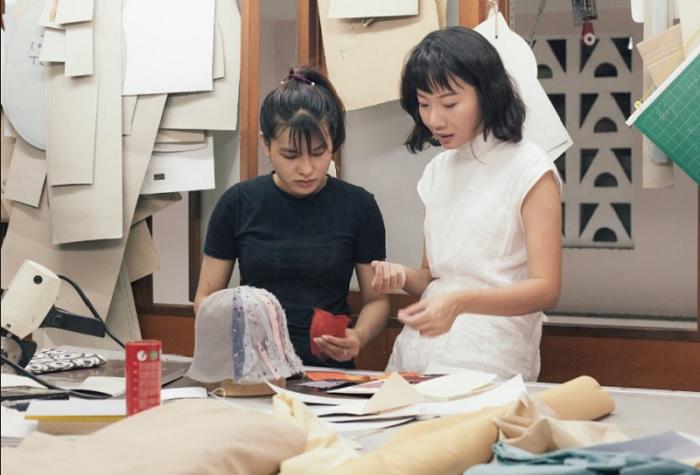 Các thiết kế của Leinné đều là những sản phẩm thủ công với nguyên liệu tự nhiên được lựa chọn tỉ mỉ, được tạo nên bởi đôi bàn tay khéo léo của người thợ thủ công.