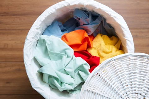"""Có thể bạn chưa biết: Đây là những nguyên nhân """"ngốn"""" của bạn rất nhiều tiền để giặt quần áo"""
