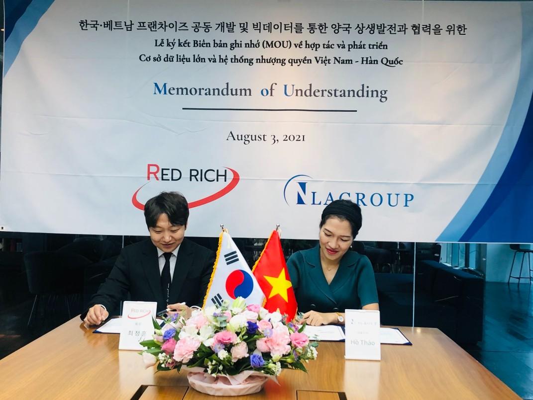 Choi Jeong-hoon, Chủ tịch Red Rich Partners và Bà Hồ Thảo, giám đốc của IllaGroup (ảnh: từ trái qua phải).