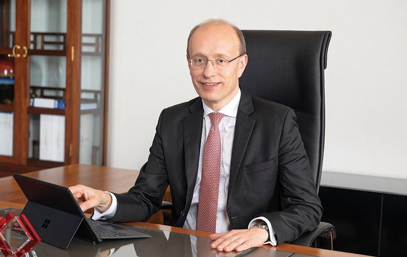 Ông Jens Lottner - CEO Techcombank