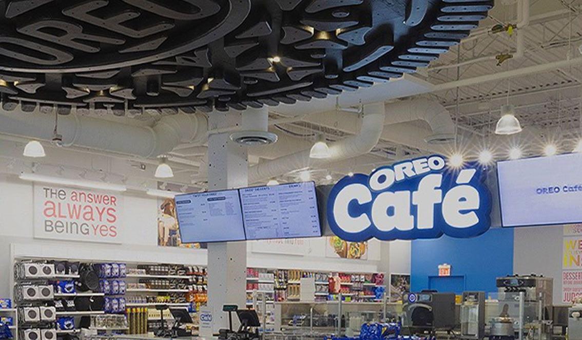 Oreo mở quán cà phê trên tầng ba của cửa hàng It