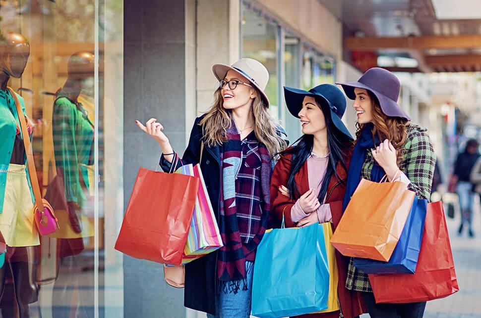 Xu hướng mua sắm trả thù vì cảm giác thiếu thốn sự sang chảnh quá lâu