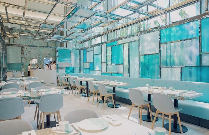 Không gian bên trong Tiffany Blue Box Coffee.