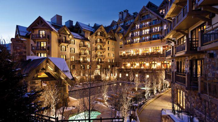 Four Seasons Hotels & Resorts gồm 37 căn nhà với giá bán từ 17,5 triệu bảng Anh, tương đương 24,3 triệu USD.
