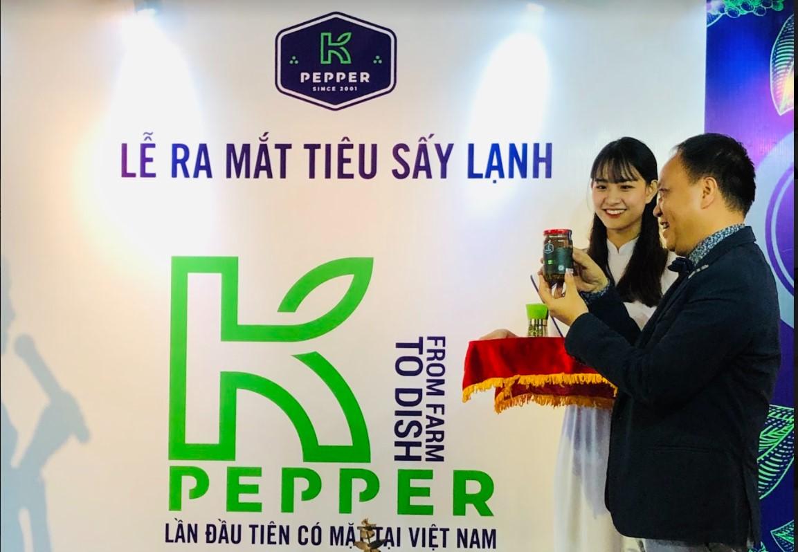 Phúc-Sinh-từng ra mắt -tiêu sấy lạnh- là công nghệ - mới - lần đầu tiên và duy nhất do Phúc Sinh -cung cấp trên -thị trường- thế giới lẫn -Việt Nam