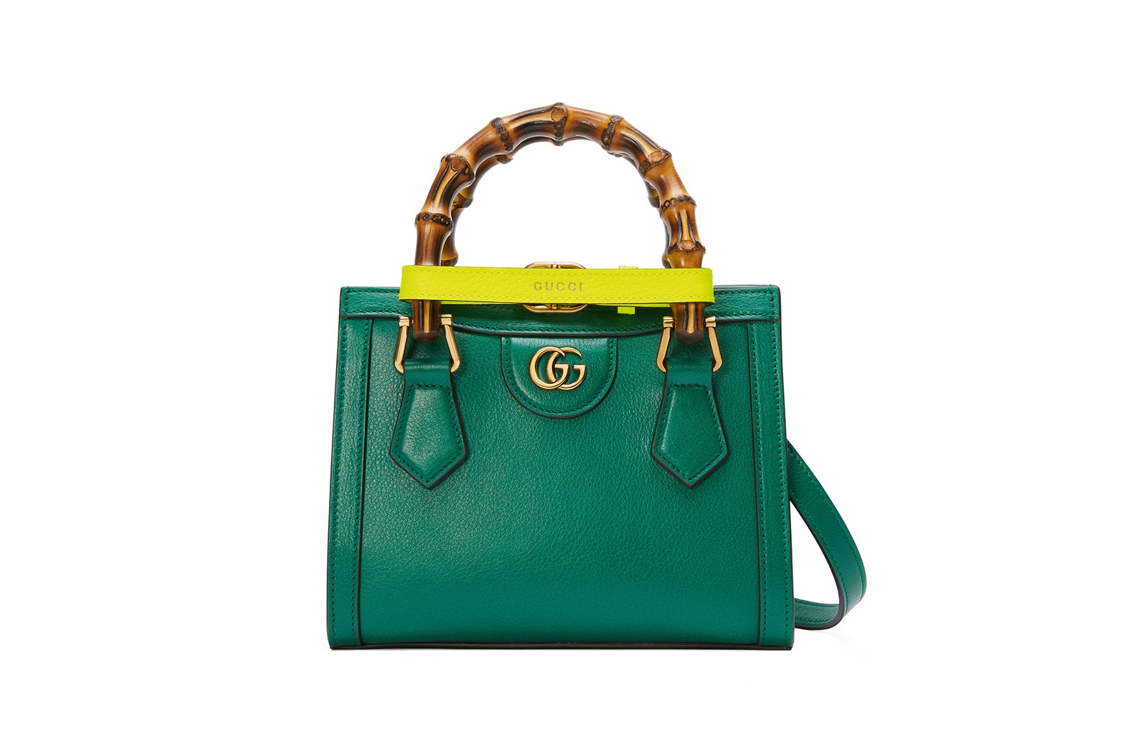 Túi Gucci Diana small tote màu xanh ngọc lục bảo có giá $3,100.