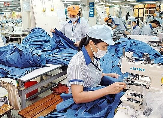 Vừa nhận lượng đơn hàng dồi dào vừa phải lo chống dịch - tình hình của ngành dệt may Việt Nam ngày nay