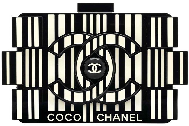 Túi Chanel Lucite & silver Barcode Lego clutch với giá 6.250 bảng Anh.