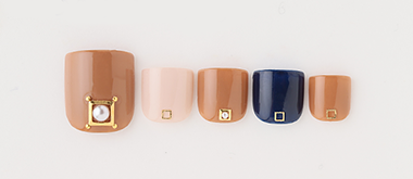 Camel pearl nail(渡辺 麻菜美) | ネイルサロンtricia(トリシア)銀座店
