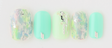 foil green nail(高橋 美香) | ネイルサロンtricia(トリシア)表参道店
