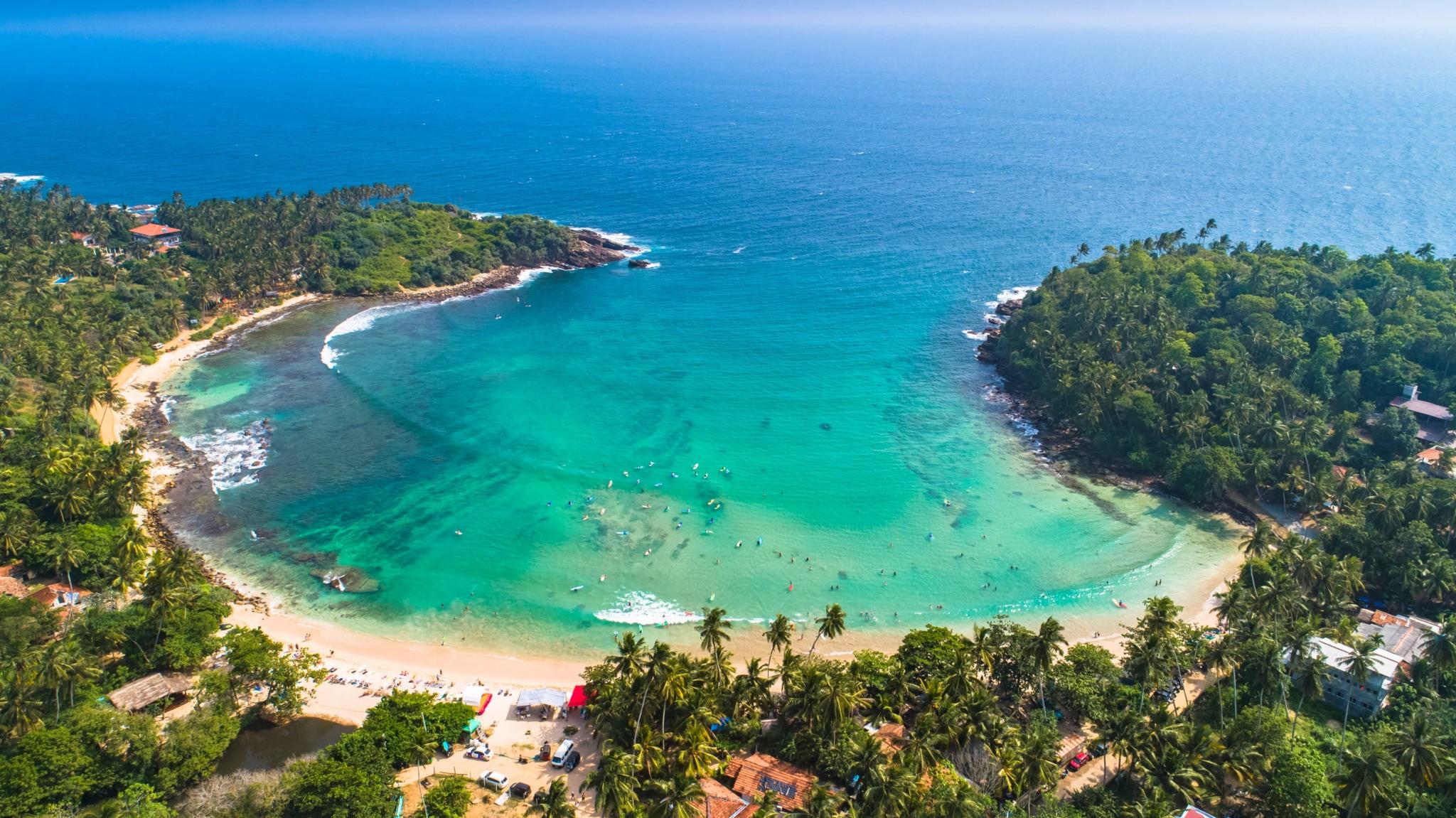 Hiriketiya - Surfing in Sri Lanka
