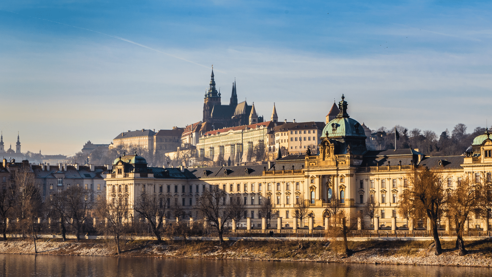 The full view of the gothic castle of Prague and the prague skyline