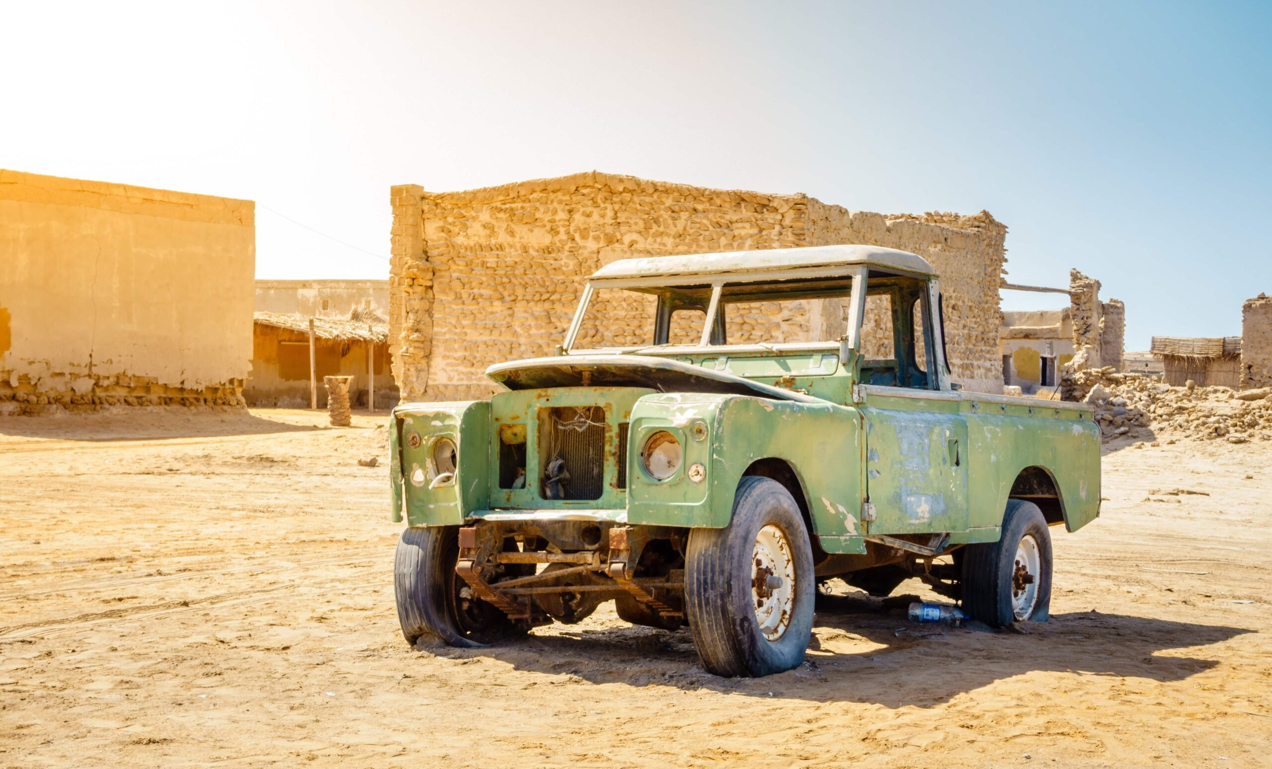 Picture of Jazirat al hamra with old car
