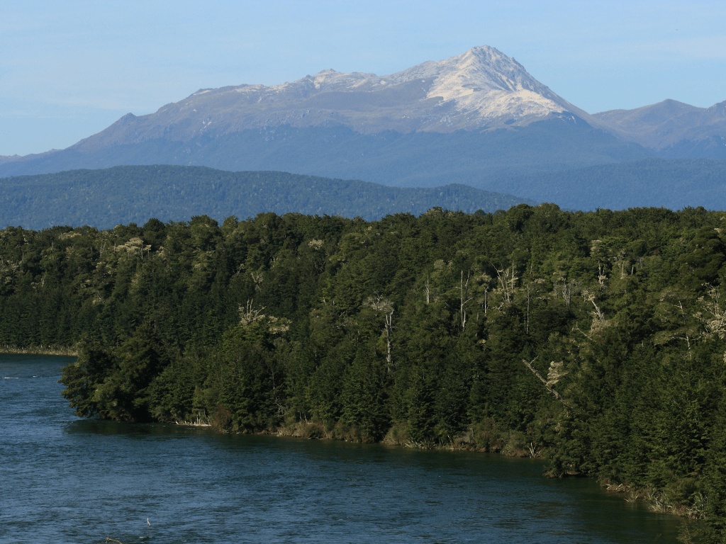 Waiau River overlooking mountains in New Zealand