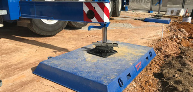 Crane pad on uneven surface 700x335