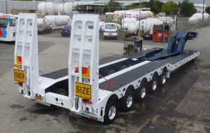 5x8 Swing Wing Widening Low Loader with Drop Well clear cut