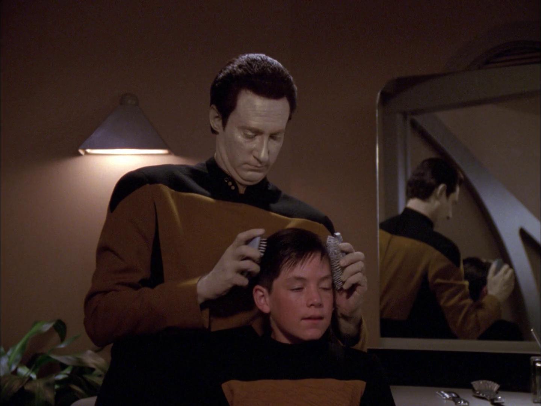 "Trek TV Episode 206 - Star Trek: The Next Generation S05E11 - ""Hero Worship"""