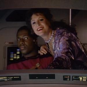 "Trek TV Episode 139 - Star Trek: The Next Generation S02E19 - ""Manhunt"""