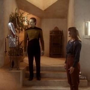 "Trek TV Episode 145 - Star Trek: The Next Generation S03E02 - ""The Ensigns of Command"""