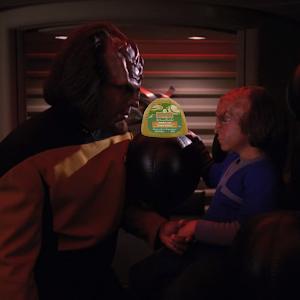 "Trek TV Episode 176 - Star Trek: The Next Generation S04E07 - ""Reunion"""