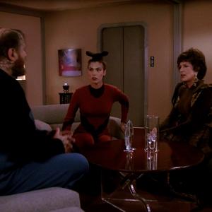 "Trek TV Episode 191 - Star Trek: The Next Generation S04E22 - ""Half A Life"""