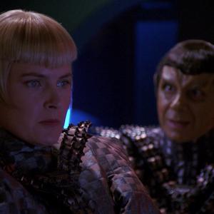 "Trek TV Episode 196 - Star Trek: The Next Generation S05E01 - ""Redemption: Part 2"""