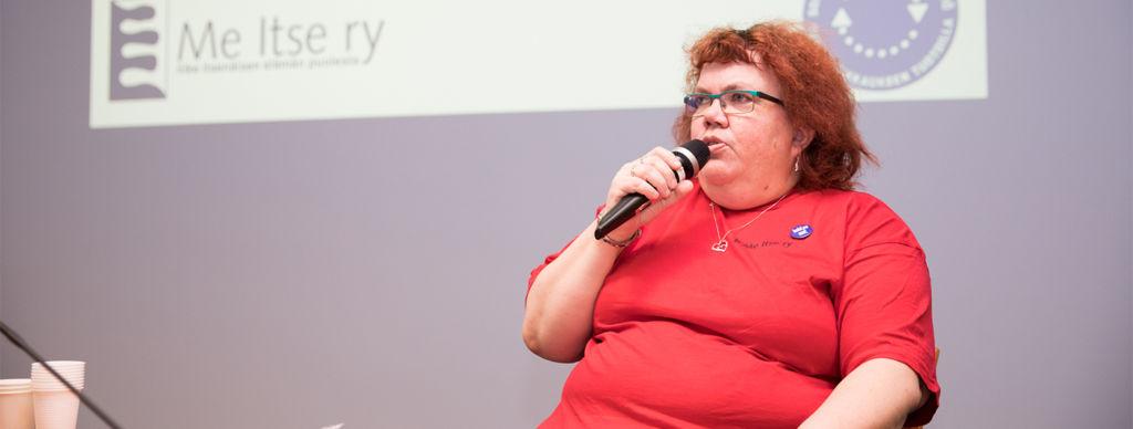 Jaana Nordlund puolustaa vammaisten ihmisten oikeuksia.