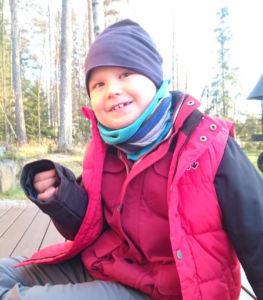 Heikki keksisi paljon tekemistä vapaa-ajan avustajan kanssa. Kuva: kotialbumi