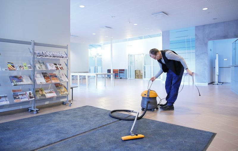 Yksittäisistä työtehtävistä Henrik Särkän suosikki on siivous.