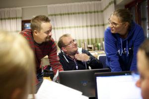 Mahti-kurssi Joensuussa. Antti Kauppila, Jani Hirvi ja Minni Haveri. Kuvattu 28.9.2013. Kuva: Laura Vesa