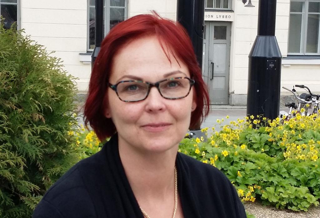 Paula pakarinen luotsaa Suonenjoen tukiyhdistystä. Kuva Jonna Suhonen