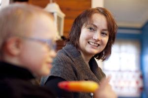 Tiitus ja äiti Susanna Taivalmäki. Kuva: Laura Vesa
