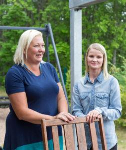 Sirpa Suomi ja Erja Rouvinen.