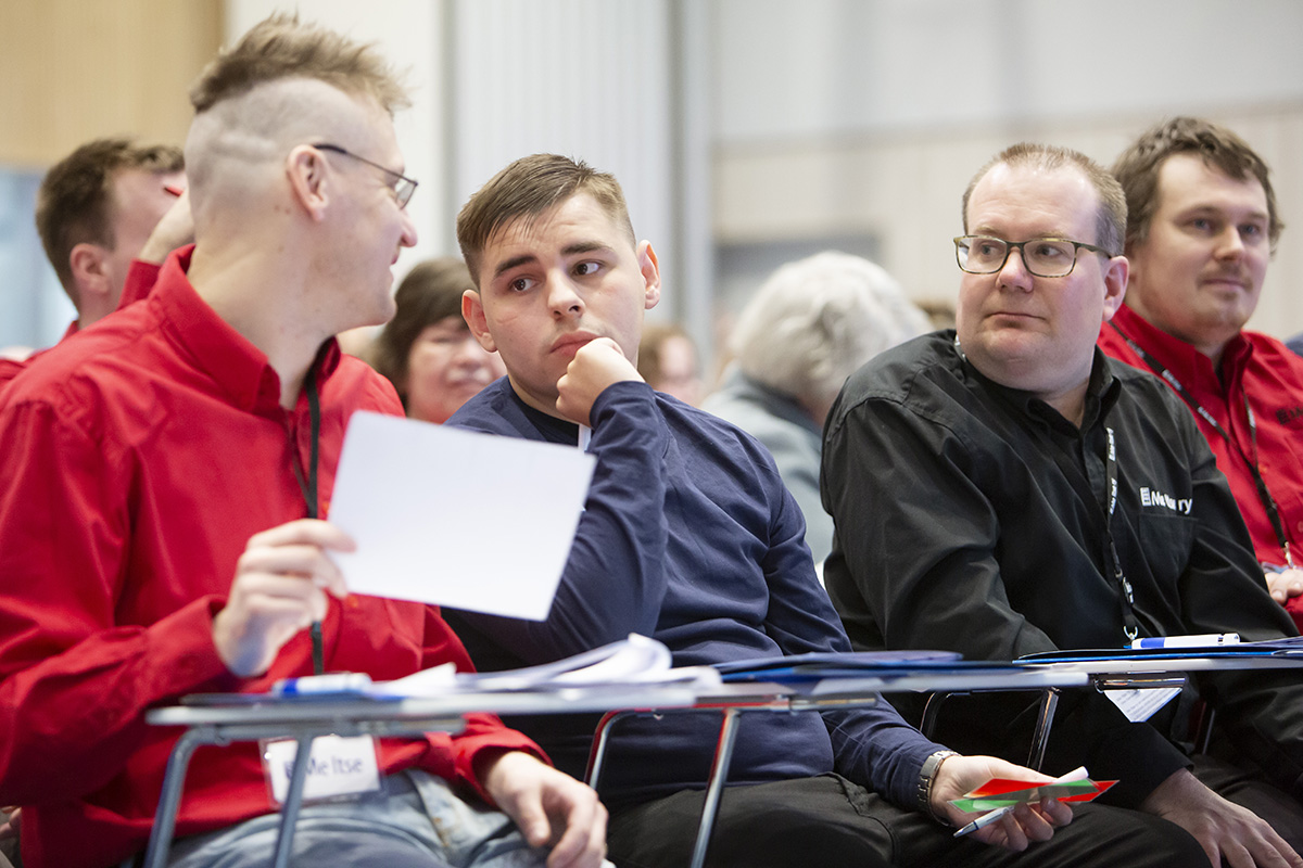 Me Itse -vuosikokouksen osallistujia: Me Itse ry. Vuosikokokous 17.3.2019 Tampere-taMe Itse -vuosikokouksessa Sami Korhonen, Janne Siltanen, Jani Hirvi ja Esa Peltonen.