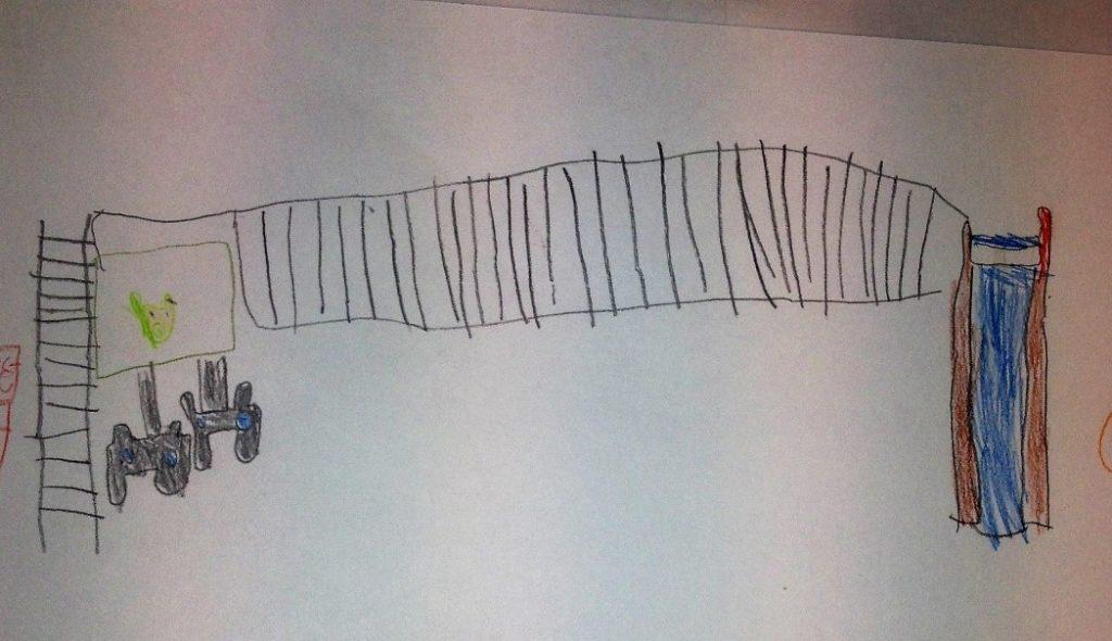 """""""Kiipeilyteline-liukumäessä edetään käsien avulla, ja alla on näkymättömät patjat. Ensin on päästävä läpi peliohjaimilla pelattava peli."""" Hankkeen työpajassa tuotettu lapsen piirros interaktiivisesta kiipeilytelineestä. Kuva: Kaisa Voutilainen."""