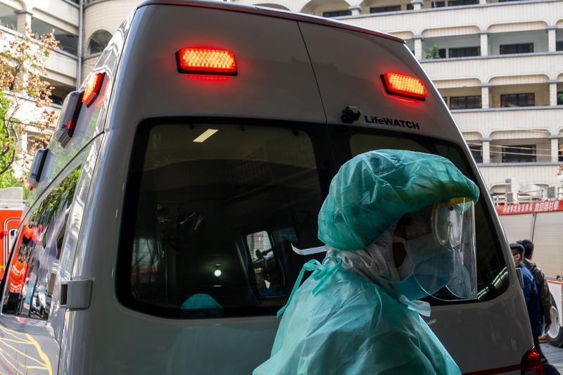 武漢肺炎防堵、減害換檔關鍵──我們怎麼及早攔截重症高危險群?