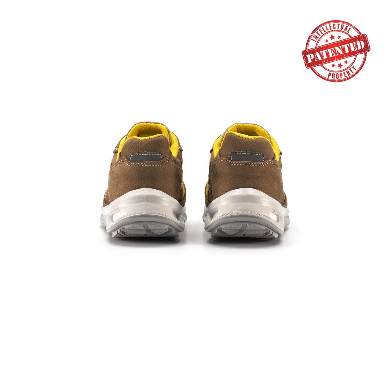 paio di scarpe antinfortunistiche upower modello brave linea redlion vista retro