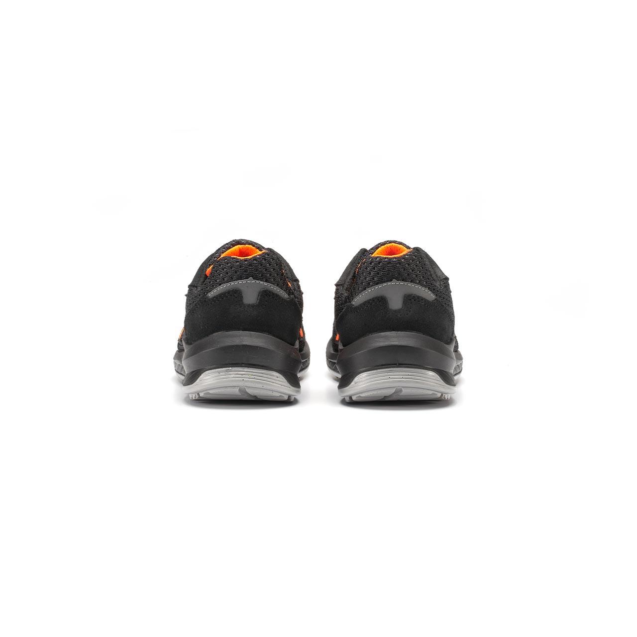 paio di scarpe antinfortunistiche upower modello nairobi linea redindustry vista retro