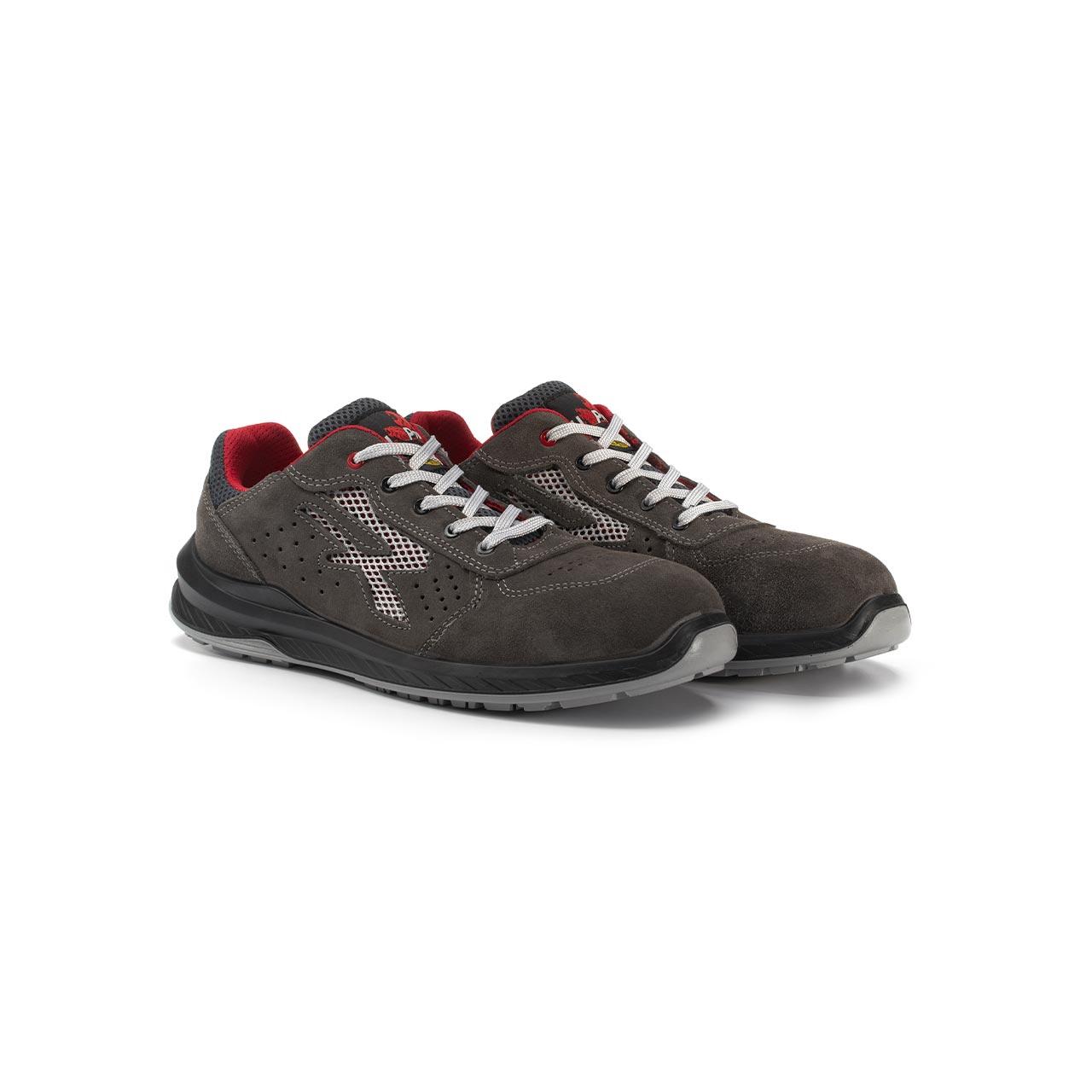 paio di scarpe antinfortunistiche upower modello radial linea redindustry vista prospettica