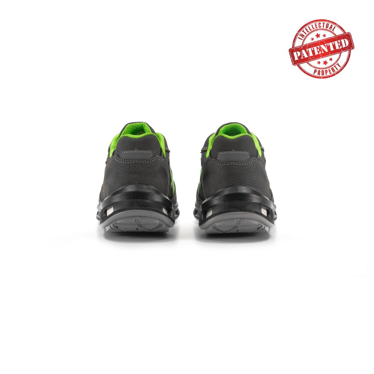 paio di scarpe antinfortunistiche upower modello yoda linea redlion vista retro