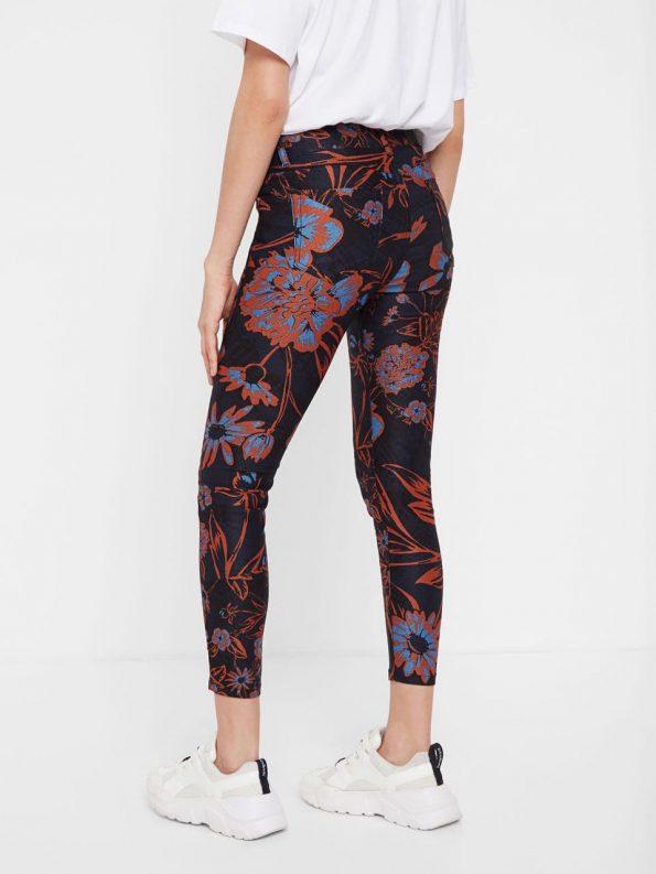 06e41c9f-20swpn04_9022-desigual-cropped-floral-trousers-beflower-2.jpg