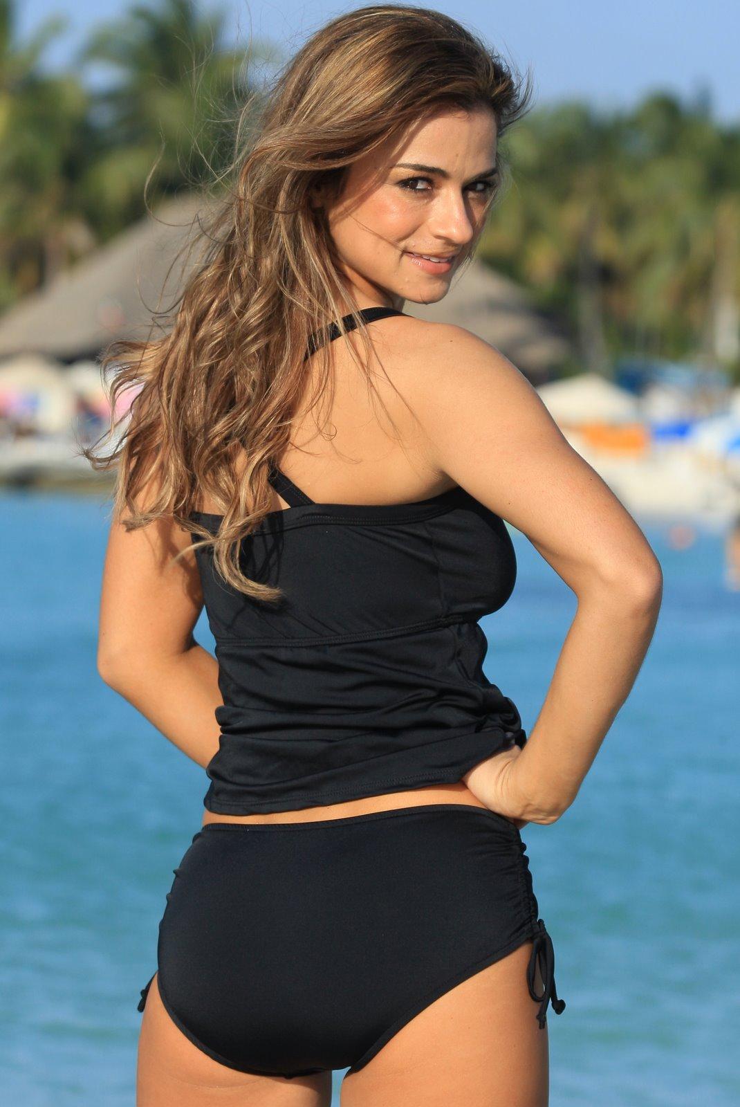 Full figure hot girl