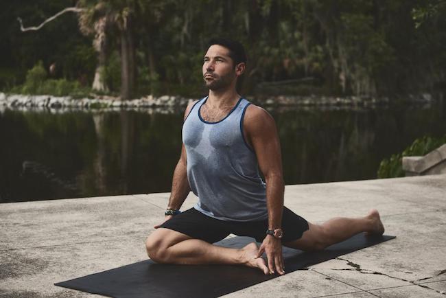 The best yoga brands for men - Urban Blog