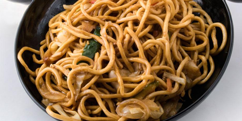 Noodles me perime dhe Salcë soje