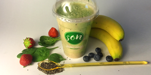 Smoothie me spinaq, banane, boronice, fara chia, qumesht small