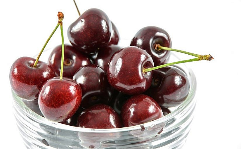 6331e67a mouth watering cherries 1499444 960 720 825x510