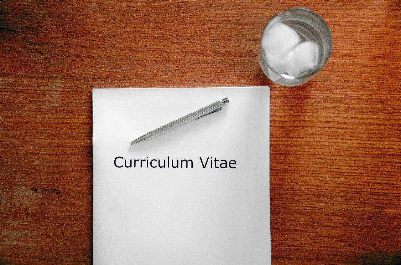 Rédiger un bon CV commercial pour augmenter ses chances d'être recruté